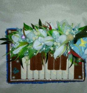 """Оформление коробки конфет """"Пианино"""", свит-дизайн"""