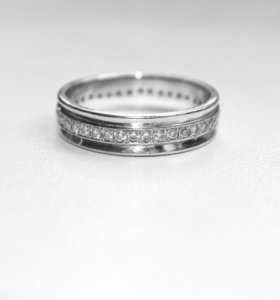 Кольцо белое золото с бриллиантами 17,5