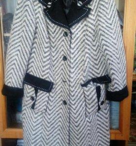 Продам пальто р.52-54