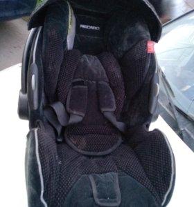 Автокресло RECARO для новорожденных