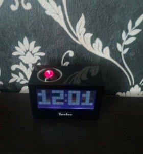 Радио часы с проектором