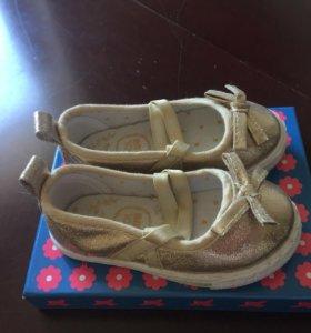 Обувь на девочку, балетки