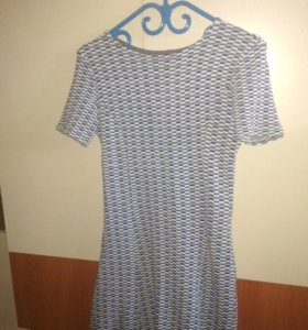 Платье трикотажное XS