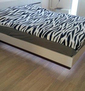 Кровать с парящим эфектом с тумбами