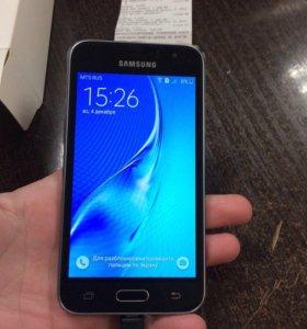 SAMSUNG Galaxy J1 SM-J120F 2016