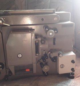 Кинопроектор радуга 2 1985г