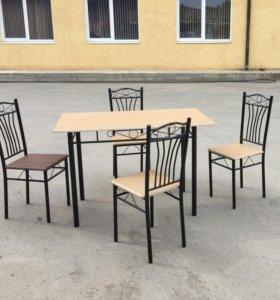 Обеденный стол и 4 стула
