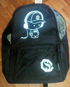 Рюкзак школьный,картинка в темноте светиться
