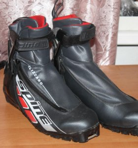 Ботинки лыжные 45 размер Spine Blizzard