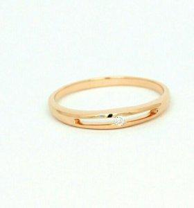 Кольцо 17р,золото,бриллиант 2мм