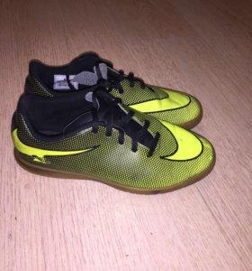 Бутсы Nike 38.5
