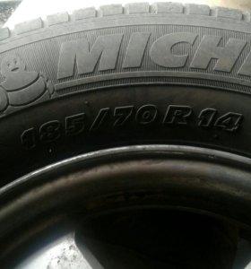 Диски литые с шинами R14