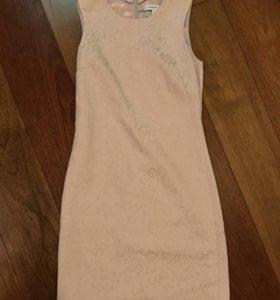 Платье бледно розового цвета