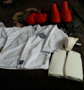 Спортивная форма для тхэквондо