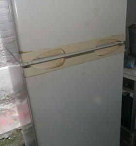 Холодильник Саратов двухкамерный