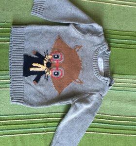 Продам свитер на мальчика 6-9 мес
