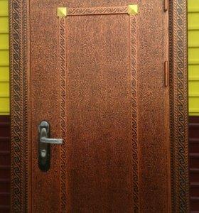 Дверь стальная уличная.
