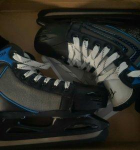 Коньки новые хоккейные раздвижные, размер 32-35