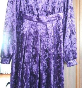 Платье велюровое 44-46
