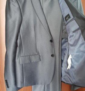 Стильный мужской костюм 48 р-р