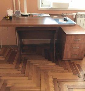 Стол кухонный в уголок