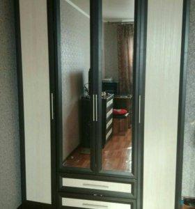 Шкаф 4е двери