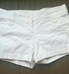 Белые шорты Berschka 44 р-р.