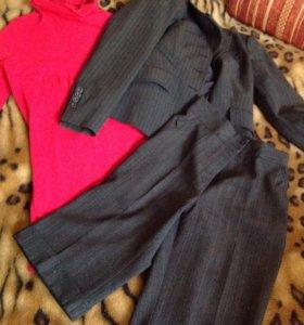 Водолазка и пиджак 44 р, бриджи 42 р