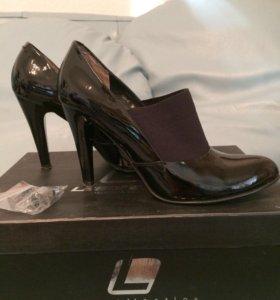 Туфли на высоком каблуке Laboratory лак кожа
