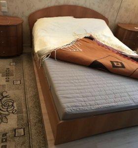 Кровать с матрасом 140*200