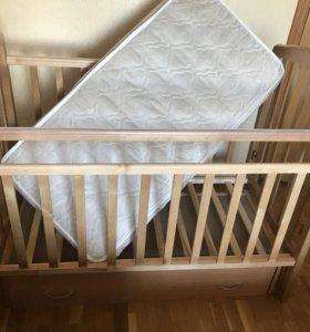 Кроватка с продольным маятником и матрасом