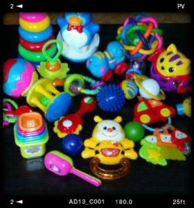 Погремушки игрушки для самых маленьких