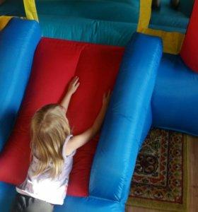 Батут детский комнатный с горкой