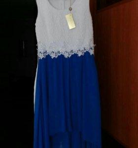 Шикарное новое платье со шлейфом