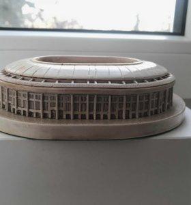 Сувенирный макет стадиона Лужники