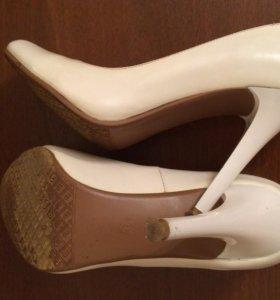 Белые Айвори лаковые туфли