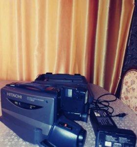 Продаю видеокамеру Hitachi.