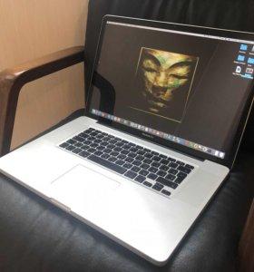 MacBook Pro 17' Apple