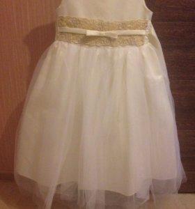 Торжественное платье для девочки.