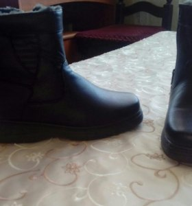 Новые зимние ботинки 41 размер.