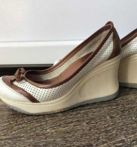 Туфли кожаные, приобретённые в Турции, 36 -37 р