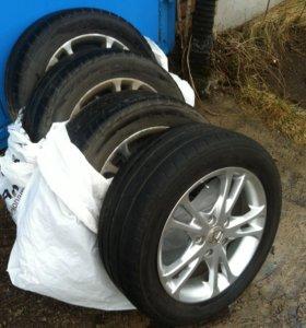 резина лето Bridgestone на литых дисках 205/55 R16