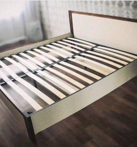 Продам кровать б/у. Размер: 180/200