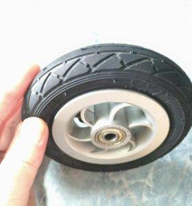 Надувное колесо для самоката.