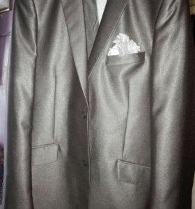 Мужской костюм на свадьбу! Одевали один раз. Торг
