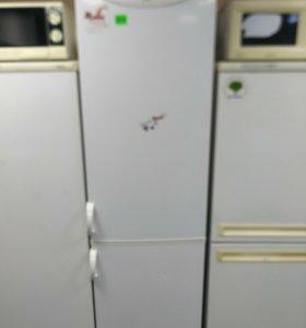 Холодильник высокий