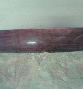 Задняя накладка на дверь багажника ваз 2111