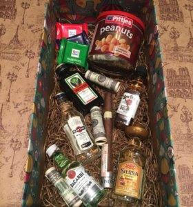 Оригинальные подарки в коробке или корзинке.
