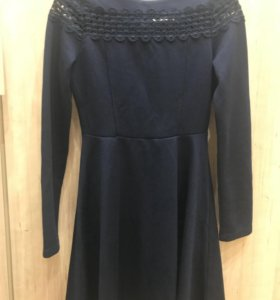 Платье на узкую талию.