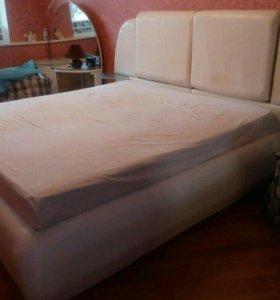 Кровать двуспальная из натуральной кожи 180*200